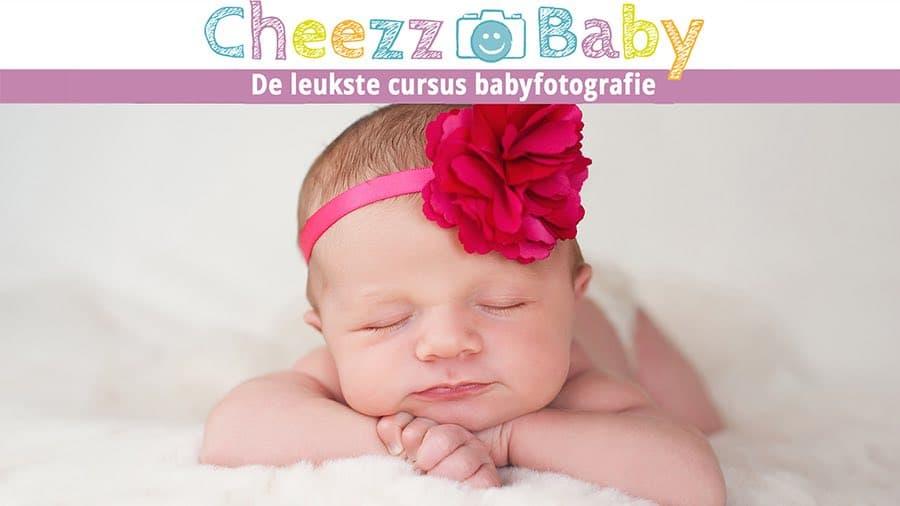 Hoe maak je mooiste babyfoto's van pasgeboren baby